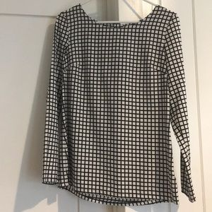 Black and white long sleeve blouse